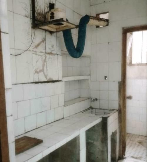 出租房破破爛爛,花800元改造大變樣,房東看瞭以為走錯門!