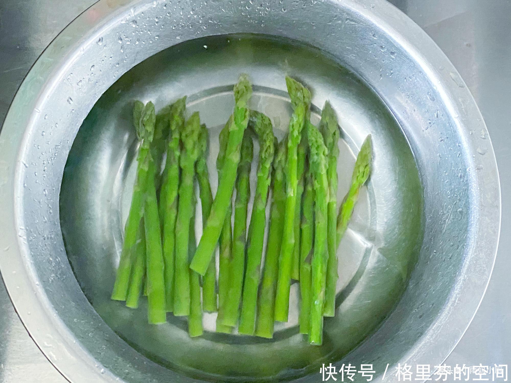 一碗超火萬能醬,拌菜拌麵條吃米飯都可以,醬香濃郁美味下飯