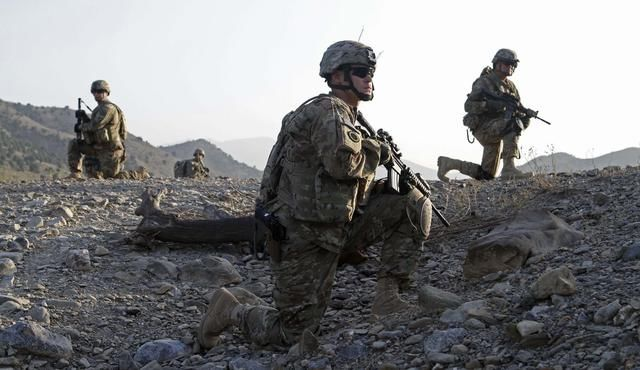 拜登向中国露出獠牙,美国务卿亲口承认,撤离阿富汗真正原因曝光