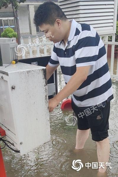 六問河南特大暴雨:這裡為何成為全國強降雨中心?