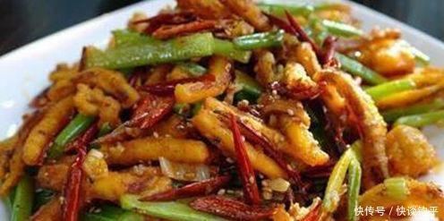美食推薦:涼拌手撕平菇,香辣雞爪,手撕雞,乾的魷魚須的做法