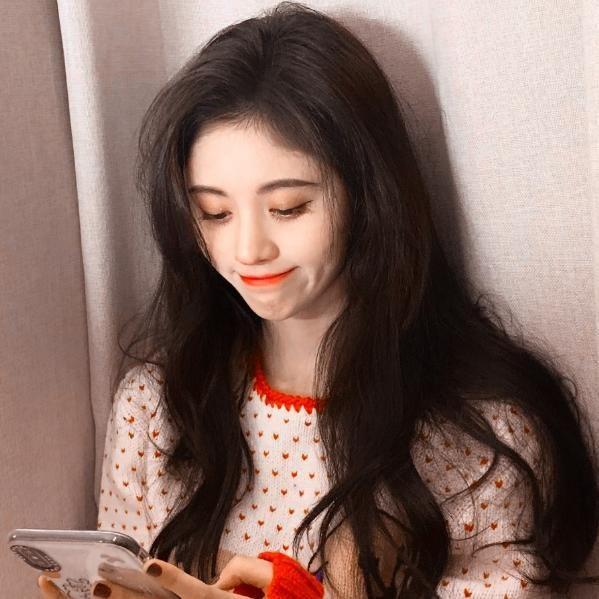 鞠婧禕近照,26歲的她黑眼圈明顯,粉絲解釋:全因拍戲