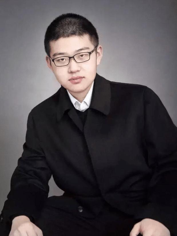 中国史学天才少年,学校老师叫他老师,高考前却跳楼轻生