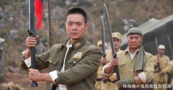 """大刀 抗战时,八路军用的大刀为何会有红色布条,难道是""""好看""""!"""