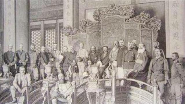 圆明园已被毁150年,专家对其修复时,意外发现了5万多件文物