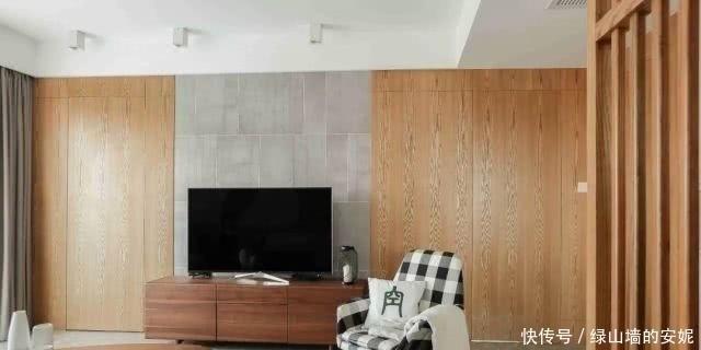 白色 142平的简约风三房,木色搭配白色,简洁中透露出时尚感