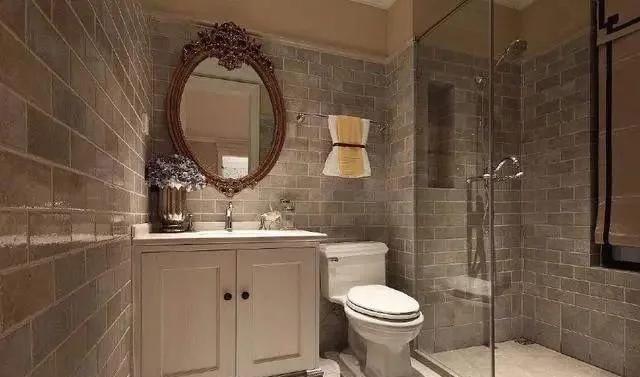 为什么很多酒店和宾馆要把卫生间做成透明的?看完终于明白了