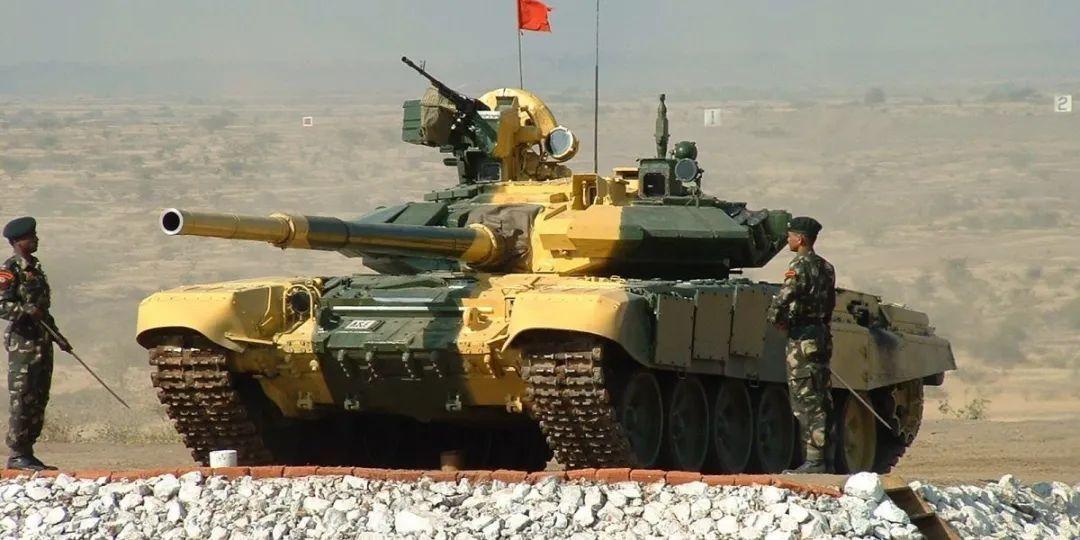 印度急著買的坦克,是在給自己挖大坑
