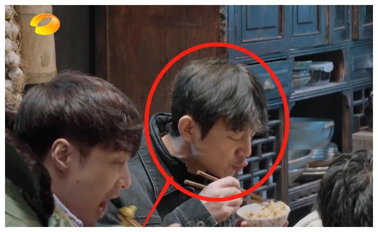 《嚮往5》張藝興下廚,飯菜好不好吃,看看彭昱暢的飯量就知道了