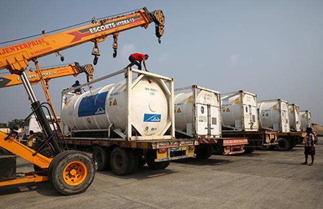 全球都在支援印度,但物資都運到哪裡去瞭?中國制氧機是否發放?