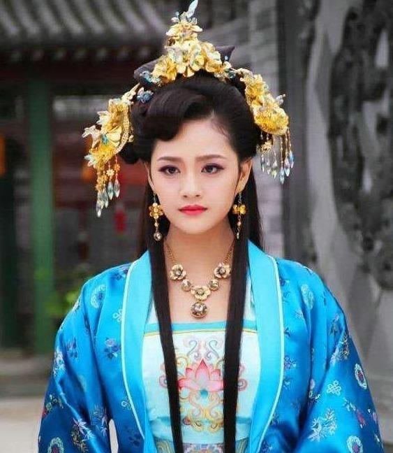 《大明风华》中,为何是太子妃提领后宫,不应该是贵妃统领后宫?