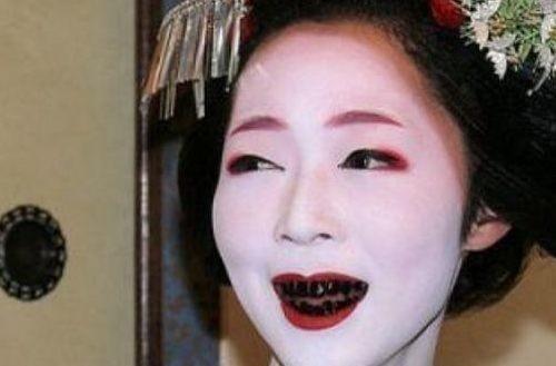 古代世界3大陋习:中国裹脚、欧洲束腰,但在日本面前都不值一提!