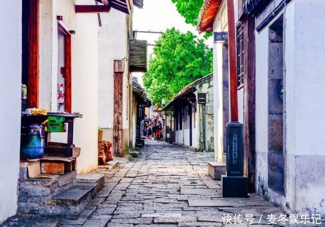 """江南最著名的古鎮,被譽為""""中國第一水鄉"""",景色美若水中桃源"""