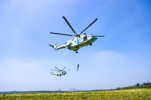 立體突擊,鍛造刀鋒利刃——海軍陸戰隊某旅組織空地協同演練掠影
