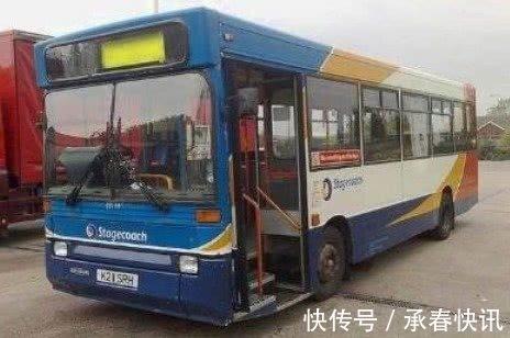 房车|一家五口买不起房,把公交车改成房车,比住酒店还要舒服