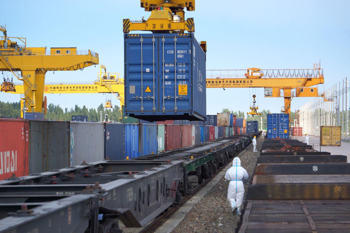 出口線路織密 返程班列增多  新疆上半年進出境中歐(中亞)班列達6106列