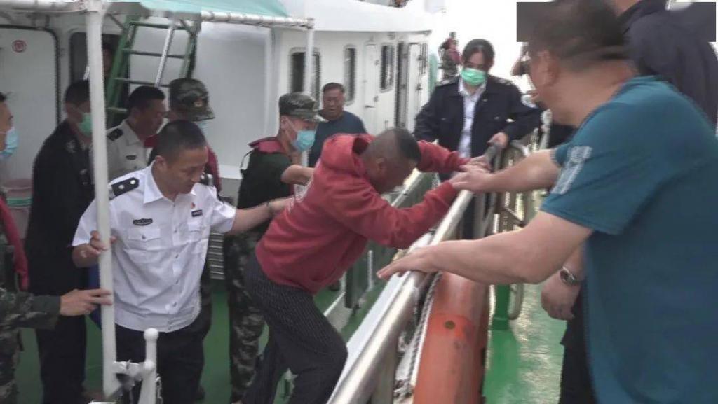 渔民海上突发疾病,多部门联手出海施救