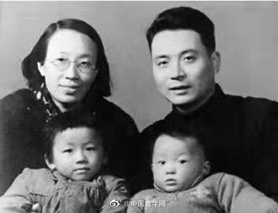 邓稼先|两弹元勋邓稼先诞辰97周年纪念日:大漠惊雷,梦冲九霄!