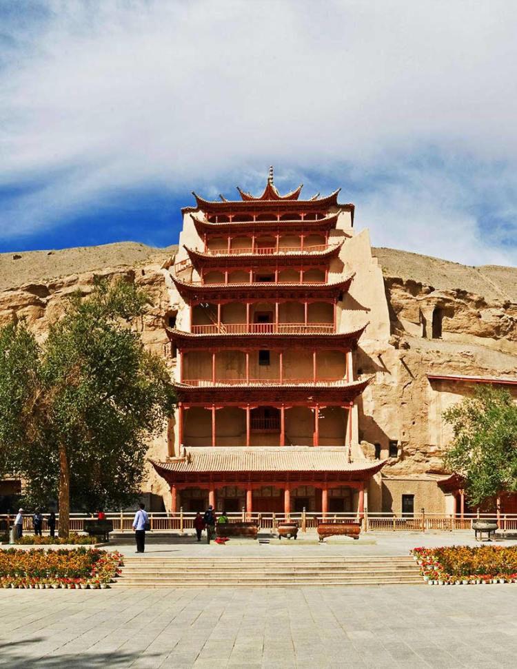 日媒:漠威胁的中国敦煌开始恢复绿色