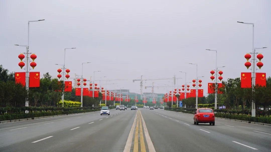 """正定亮起一片""""中国红"""""""
