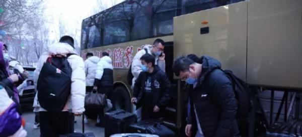 為冠軍而戰,遼寧年輕人僅放假到大年初一!球迷:能奪冠就值瞭