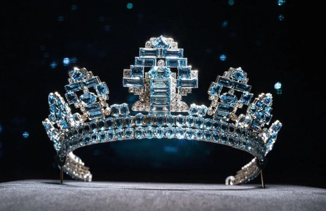 歐洲王室偏愛海藍寶項鏈和冠冕,隻因人美海藍寶石更美