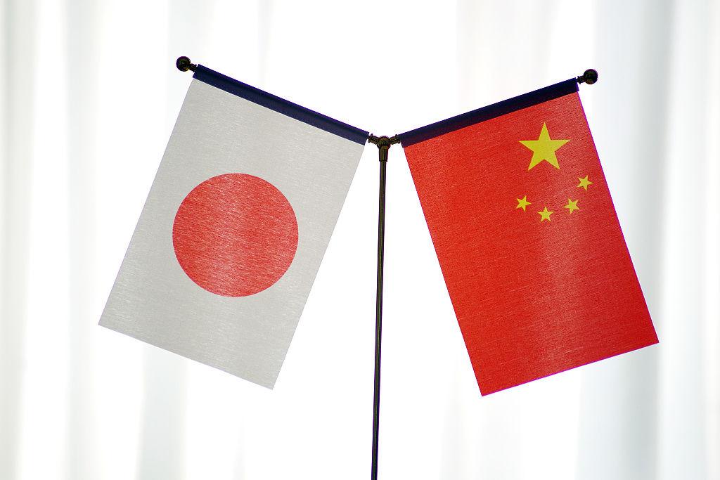 """2021年中日关系舆论调查:过半日本民众希望日本在中美博弈中""""不站队"""""""