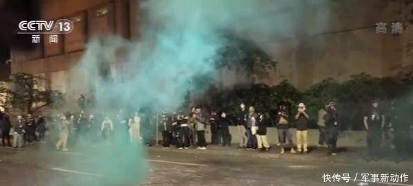 美国多地反种族歧视抗议活动持续不断 警方逮捕了几十名抗议者
