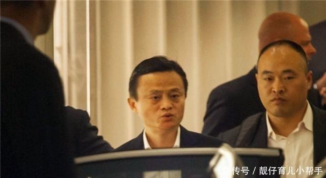 馬雲卸任後,他的貼身保鏢李天金失去瞭年薪百萬的工作,現狀如何