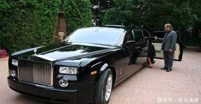 賓利追尾拖拉機,被索賠10個億,車主車賣瞭也賠不起