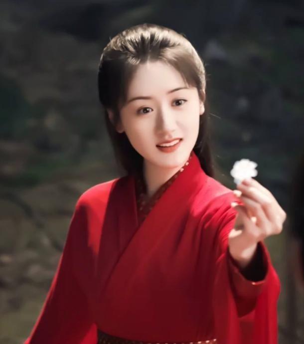 令人惊艳的红衣角色:璇玑温婉,陈芊芊很飒,小枫让人一眼万年!