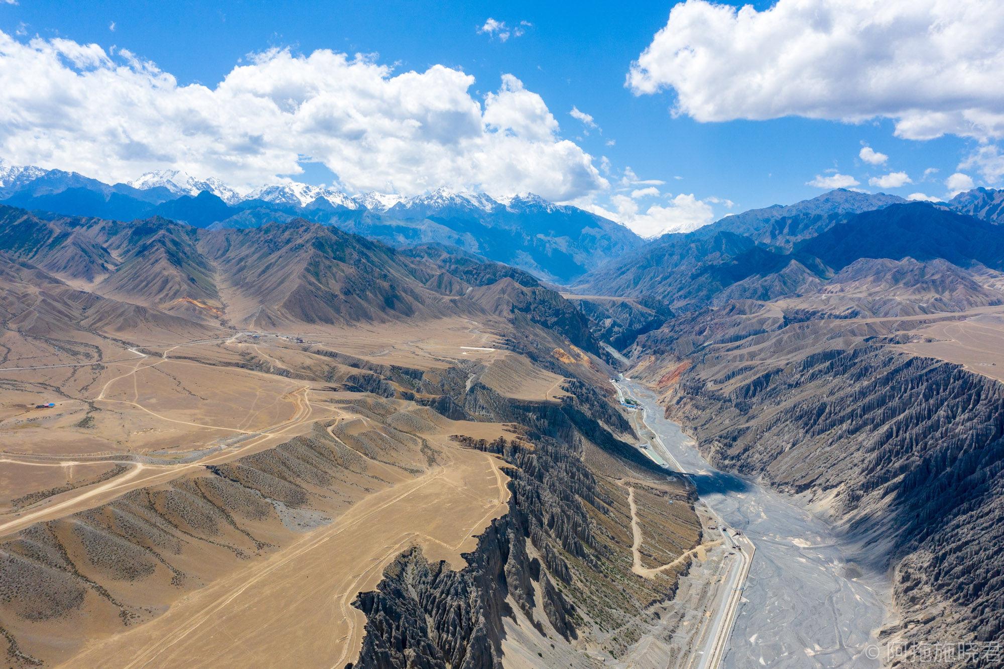 远方的新疆:荒野之旅,独库有路