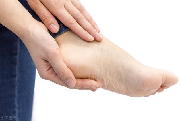 【草丁图书馆】脚后跟一踩地就疼?可能和这些病有关