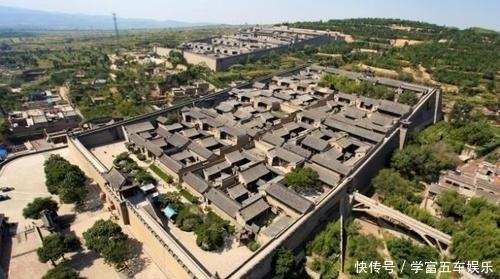 中国最气派的民宅,比故宫还大10万平方米,如今后人回家需买门票