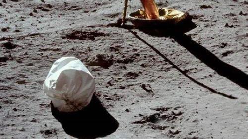 垃圾|只有12名宇航员成功登月,月球上却有100多吨垃圾垃圾是哪来的