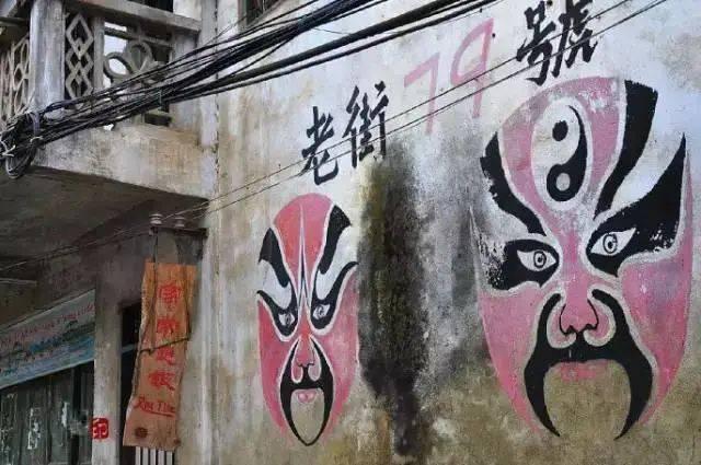 粉墙乌瓦,石板小巷....广西这个古老的小镇,太美太治愈了!
