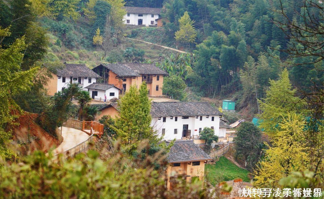这是一个贫困山区,却有着悠久的历史,如今它已变身网红民宿