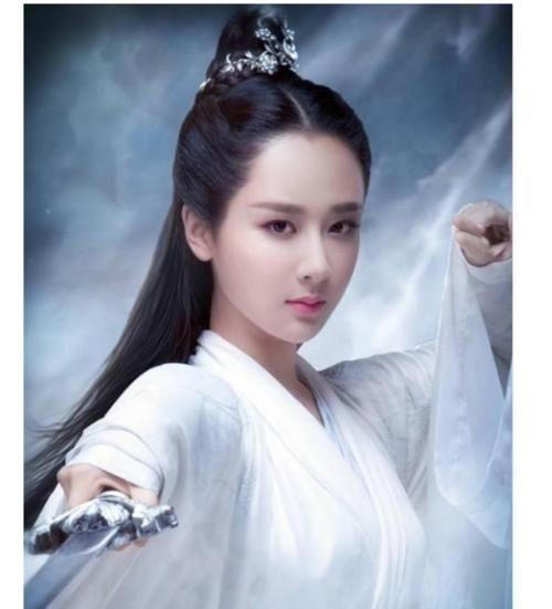 打底衫|宋丹丹说杨紫不够漂亮,事实证明确实打脸,时而帅气时而美艳