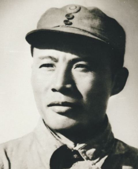 八路被日军包围,开国上将却下令不准使用重武器,事后发现真高明