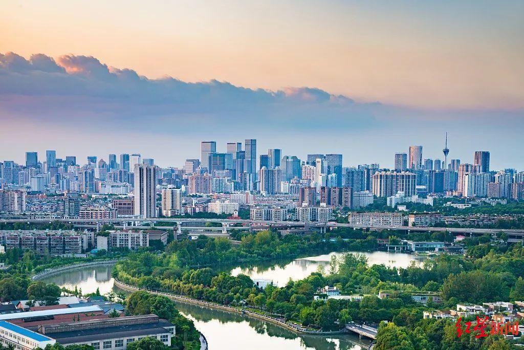 成都:一座城市为何要坚守初心?