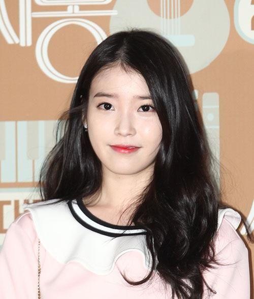 韩国女演员图片及名字都是韩国美女都姓金相差一岁颜值却差了好多