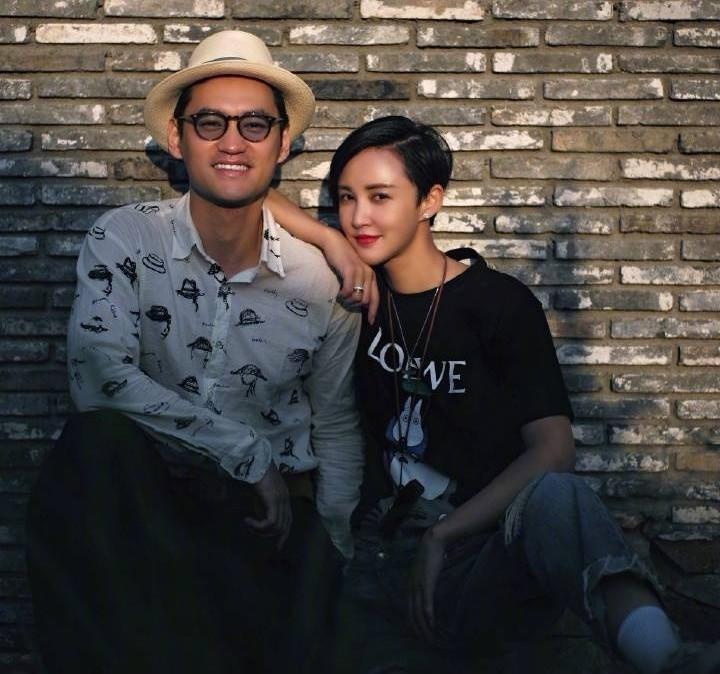 袁弘慶與張歆藝結婚5周年!曬倆人接吻照,甜蜜表白惹人羨