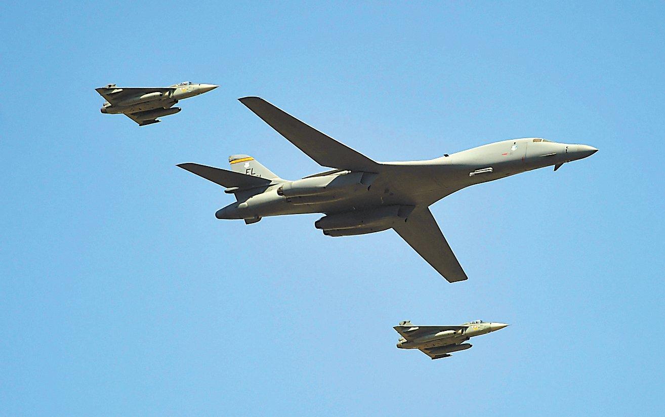 """在印度和挪威部署,美炫耀戰略轟炸機""""全球兩翼部署"""""""
