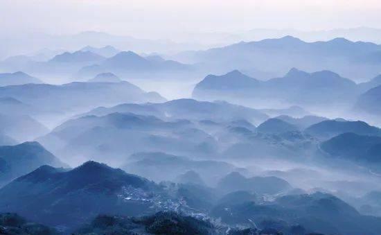 古诗词里的山,江碧鸟逾白,山青花欲然