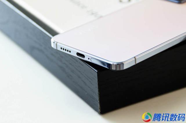 克莱因蓝 vivo S10 Pro评测:光致变色机身让手机配色又有新玩法