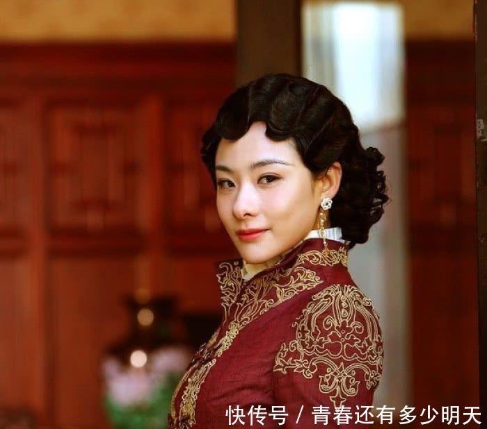 溥仪 末代皇后婉容睡前有一个习惯,太监们都知道,溥仪装不知情!