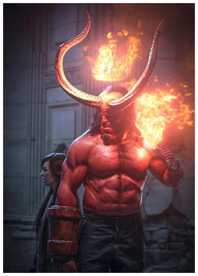 《地獄男爵:血皇后崛起》:B級血腥動作爽片?