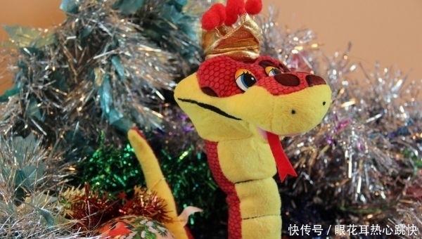生肖蛇:老天給你準備瞭天大喜宴,就在明天!你傢有屬蛇的嗎?