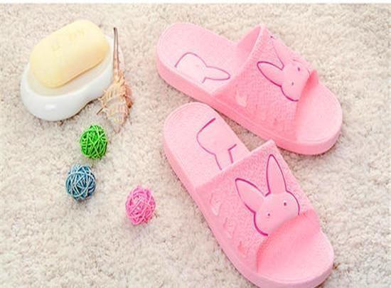 牙膏|拖鞋穿久了有黑垢洗不干净?学会两个小技巧,拖鞋立马干净如新