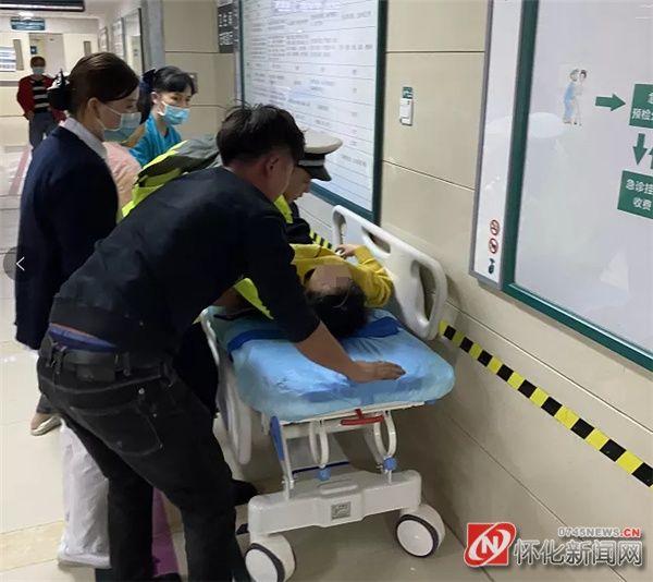 护航病患,怀化交警城区上演生死时速